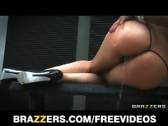 Vick Chase deepthroats a fat shaft fresh out of the shower