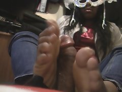 Filthy ebony lass with size 10s gets her feet screwed