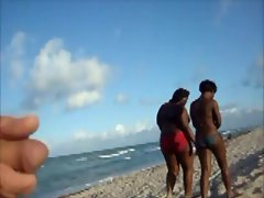 Flashing 2 Ebony Wenches on the Beach & they tolerate it
