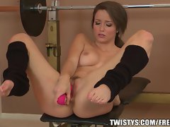 Workout young lady Malena Morgan cums