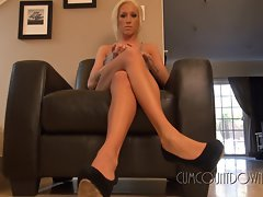 Tempting blonde displays her sensual pins