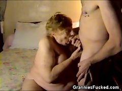Giving blowjob Chunky Granny