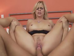 Payton Leigh loves stuffing her attractive and alluring pussy with a extremely huge shaft steak