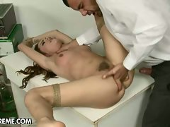 Doctors knows well to finger and shoots wild cum