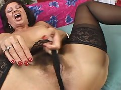 Luscious seductive mom gets it on