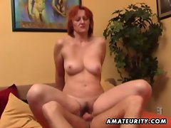 Slutty amateur Cougar licks and screws a 19 years old stud