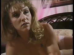 Attractive mature and raunchy lady sticks butthole beads up her stunning anal