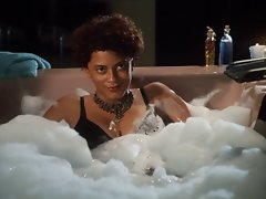 Cynda Williams - Moist