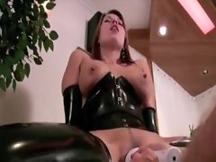 Latex fetish sex fun with deep toy sex