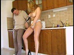Blondie cheating wife gets him in her muff