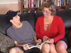 Attractive mature vixen gets her nephew to bone her