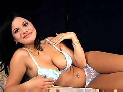 Luscious gal plays solo and gets shaft off