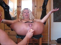 Anally toyed until her snatch squirts