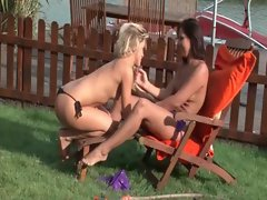 Outdoor lezzy vagina lick with two sirens