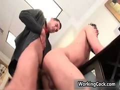 Seth Roberts screws and licks in office gays