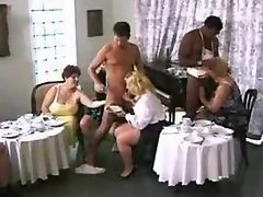 Obese slutty chicks grinding in an cool orgy