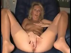 Aged girlie with a flawless pinky sexy fanny