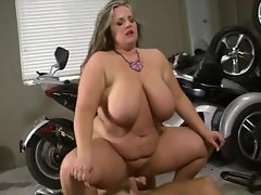 Cute bbw in his garage receives his penis
