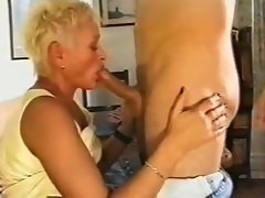 Making out with and getting BJ from experienced