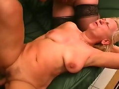Horny housewifes double teaming