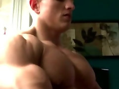 Marcus Mojo gets head from hunk