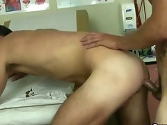 Two luscious hunks meet at the Drs and have asshole sex