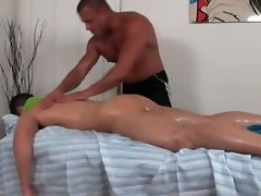 Straighty slowly turned by gay hunk masseuse