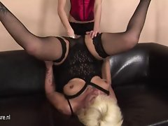 Kinky momma fisted by a attractive slutty girl