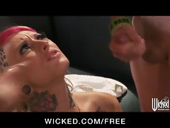 Tattooed punk cutie Jessie Lee accepts on two pricks at once