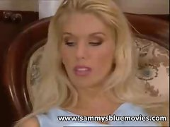 Sammy Jayne gets Horny