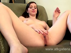 19yo and sexual amateur Ally Evans demonstrates attractive masturbation