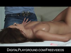 Whorish dark haired Pressley Carter bribes her masseur for doggy