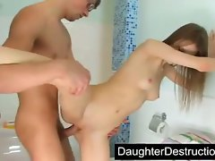 19 years old daughter gets screwed in the bathroom