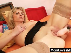 Beautiful blond amateur mum first time video
