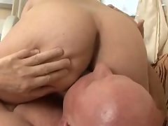 Grand pa fuck some slutty mom