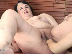Heavy filthy mom gets fisted by a filthy tub