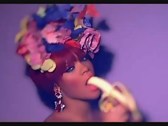 Rihanna S&M Remix (HOT VIDEO)