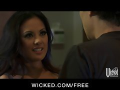 Wicked - Randy Asian Girlfriend Kaylani Lei has make-up sex with BF