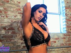 Dylan Ryder teases you with her blameless body