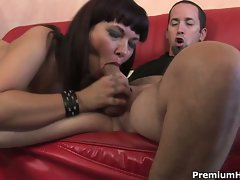 Blistering Carrie Ann gobbles down this skin flute