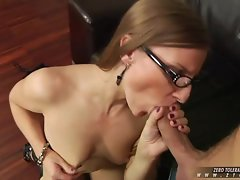 Blistering Morgan Moon gobbles down this penis