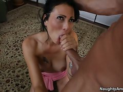 Filthy Zoe Holloway shoves a throbbing shaft down her throat