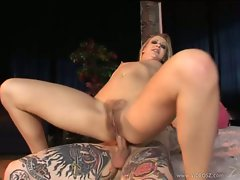 Bum whore Leah Luv bounces her narrow butt on a fat shaft