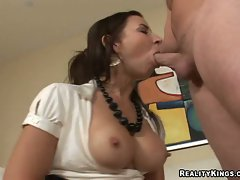 Maria Bellucci deepthroats like a nice nympho on a long prick