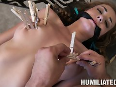 Victoria Rae hobabe clamp with a clothe clips on hooters