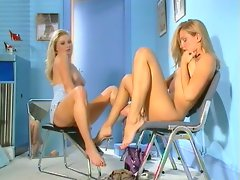 Vega Vixen with other tempting blonde young woman do finger banging