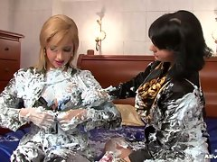 Daria Glower and nympho fill their clothes with cream