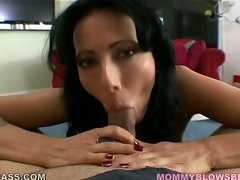 Filthy momma Zoe Holloway lollipops on her lover's thick beef shaft and loves it