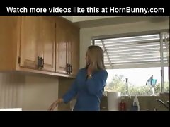 Mamma banged in the kitchen - HornBunny.com