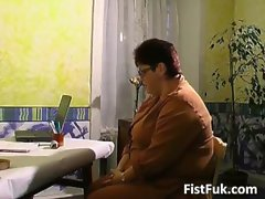 Buxom experienced buxom gets her older sexy fanny